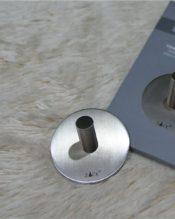 ラウンドタイプのタオルフックお得な2個セットです。接着タイプなので穴を開けられないような壁面にピッタリ!です。こちらの商品は単品商品に比べ、一個あたり2,376円とお買い得です! 18/10ステンレス製 D5.5cm hook12mm angle15.71g ※こちらの商品は2個セットになります。