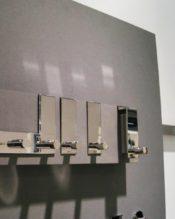 2015年2月にフランクフルト・アンビエンテで発表された新作のドアフックです。 18/10ステンレス製 16.2cmx5.8cmx5.8cm