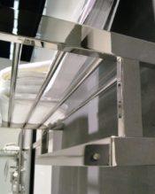 2015年2月にフランクフルト・アンビエンテで発表された新作のタオルシェルフです。 18/10ステンレス製 L61.5cm H15cm D23cm
